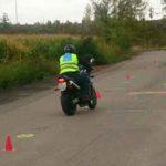 Výuka slalomu na motocyklu |Foto: Autoškola Praha VIP
